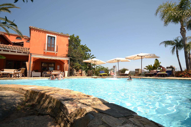Galanias hotel bari sardo villaggi mare sardegna for Piscina wspace bari